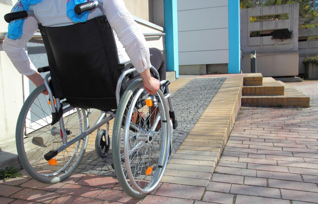 accessibilite locaux reglementation obligation CERFA formation handicap